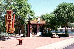 Bashful Bobs Motel Page Az